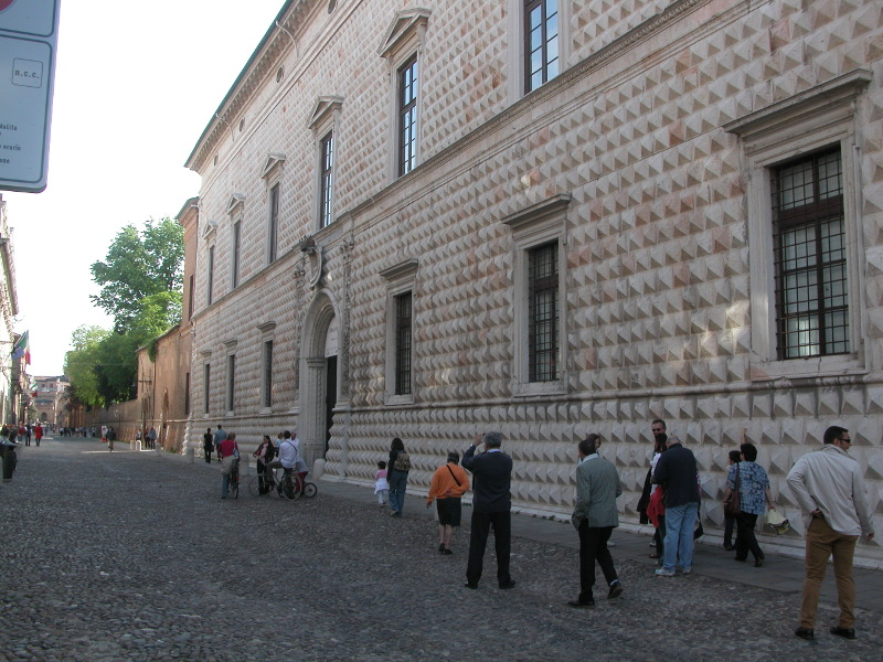 Diamanti Palace