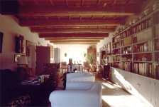 Ferrara Farmhouse Le Occare, the library